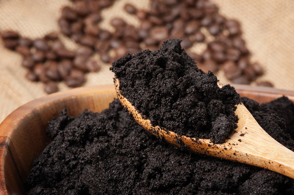 uses for old coffee grounds
