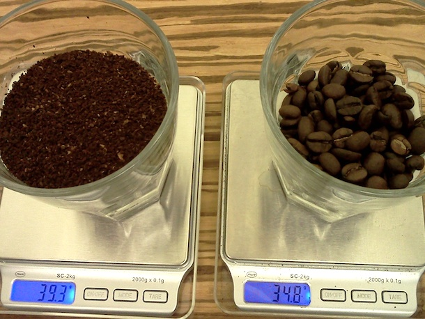 differences between ground coffee and whole beans weigh