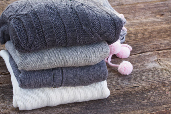 how to remove pilling from sweaters