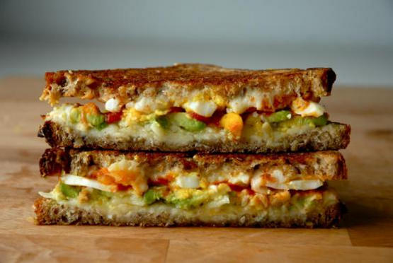 Avocado-egg sandwich