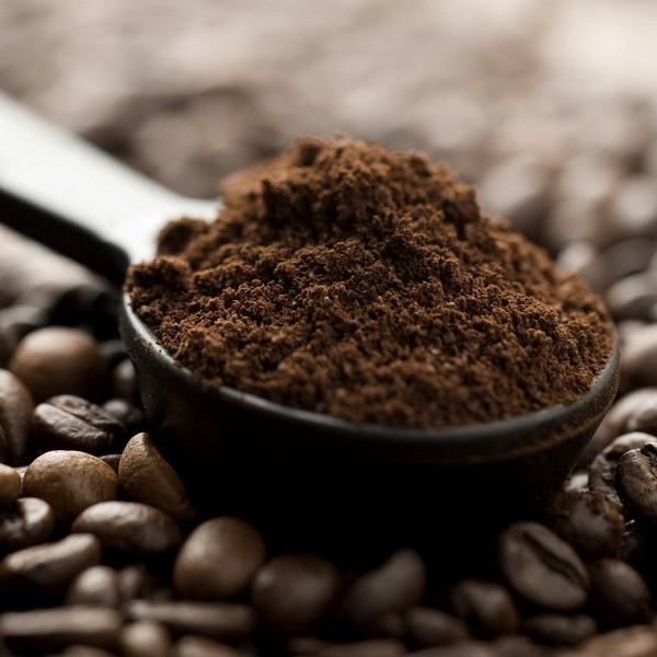 coffee-powder-in-a-spoon