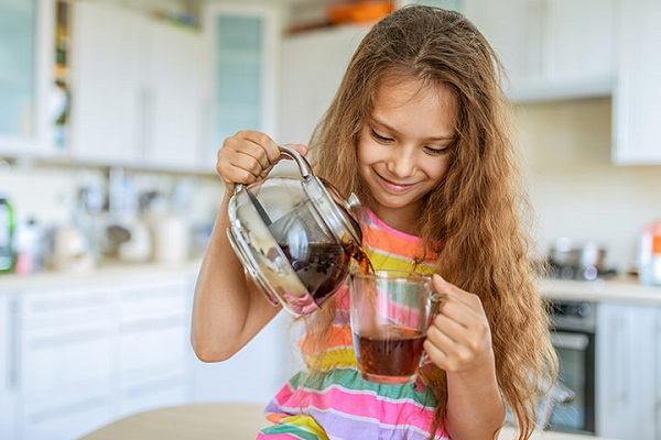 At-What-Age-Can-Children-Start-Drinking-Tea-3