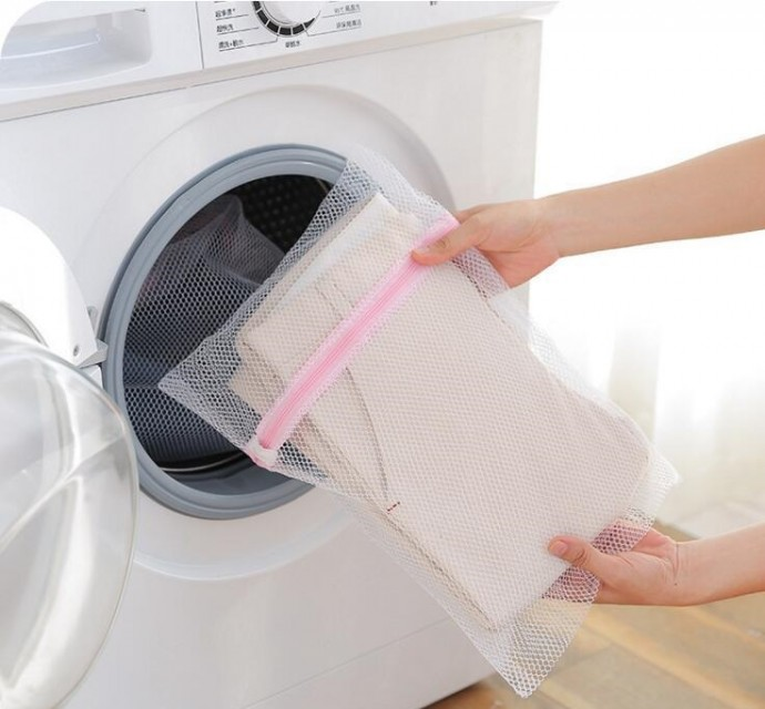 Lifehack-for-Housewives-Mesh-Laundry-Bag-1