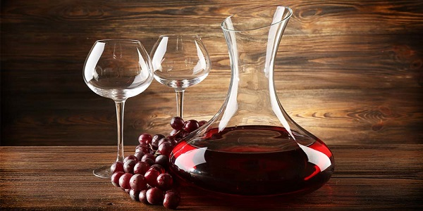What's-the-Difference-between-an-Aerator-and-a-Decanter-1
