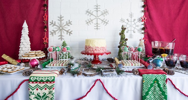 3 Delicious and Easy Christmas Desserts for a Crowd Recipes-1