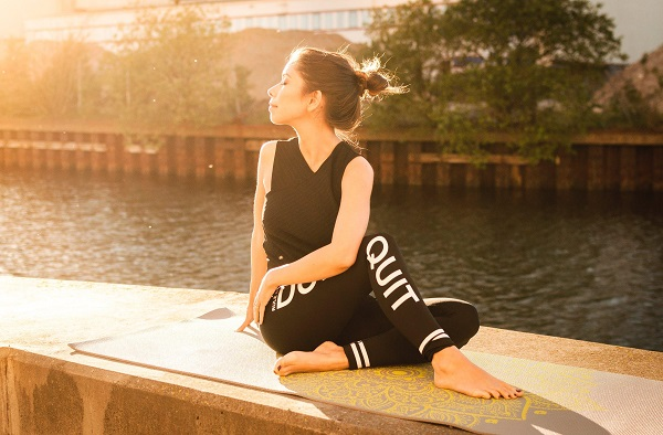 5 Must-Have Yoga Accessories 2018-1