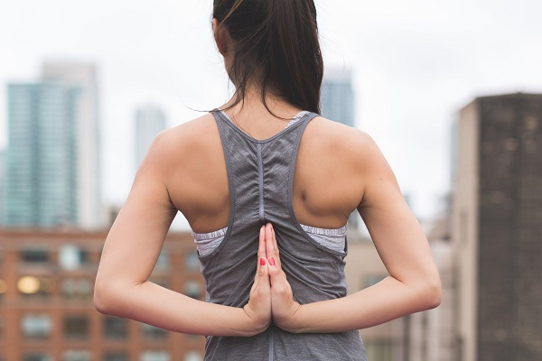 5 Must-Have Yoga Accessories 2018-3