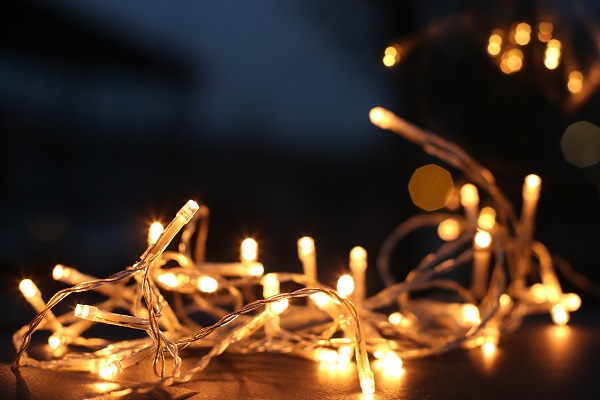 How to store your Christmas string lights 3