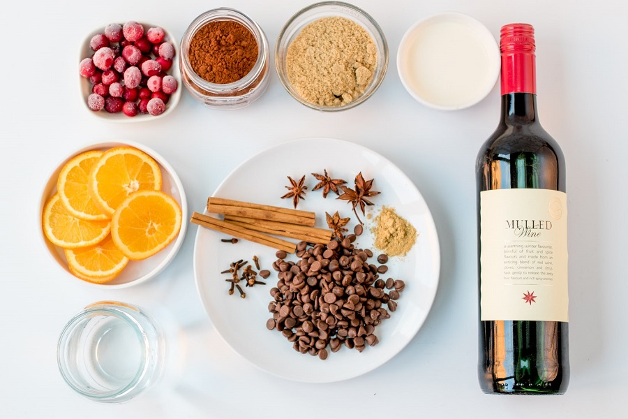How-to-Heat-up-Mulled-Wine-2