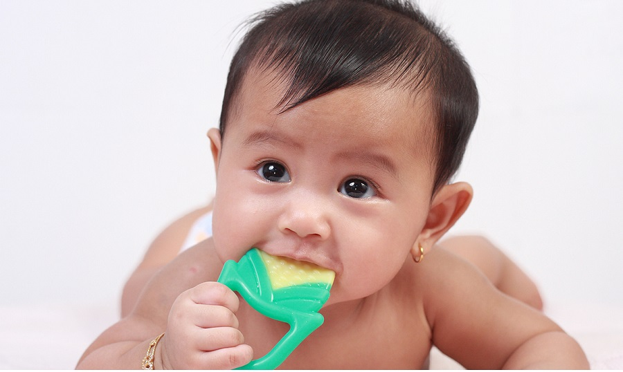The best way to clean the stains on your baby's clothes-4