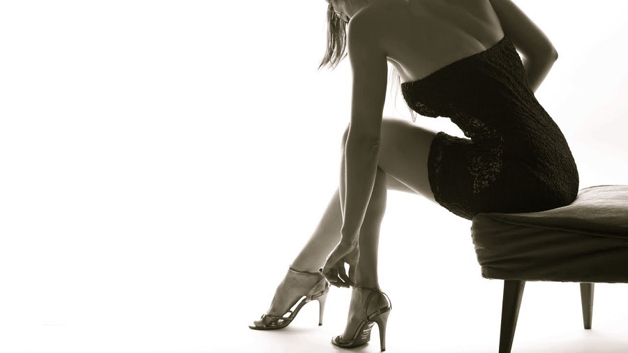 Learn to wear your high heels in a more elegant way1