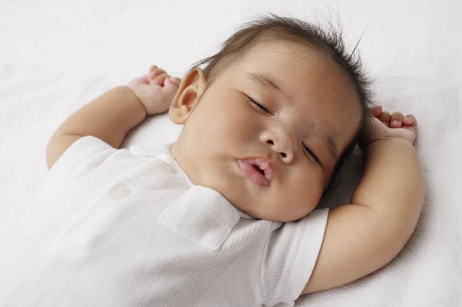 Your baby needs a suitable pillow to sleep on2