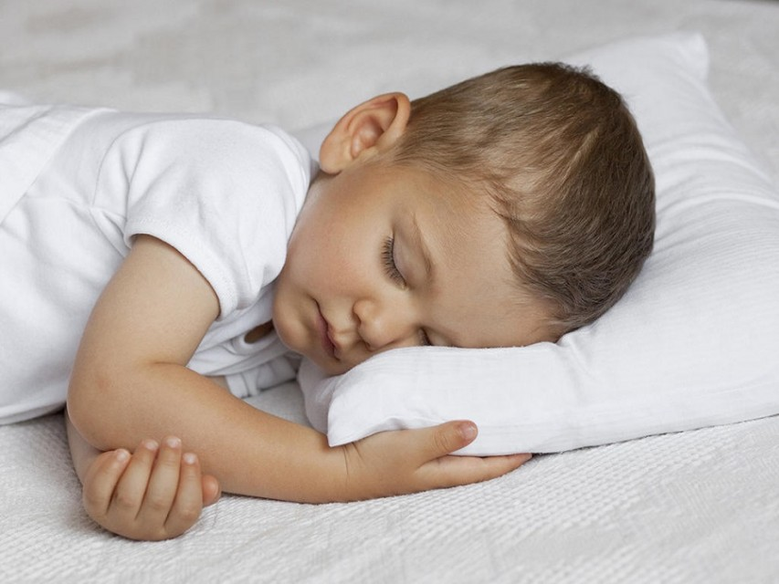 Your baby needs a suitable pillow to sleep on4