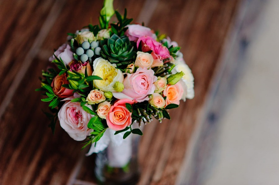 Tricks to Keep Your Flowers Fresh Longer4