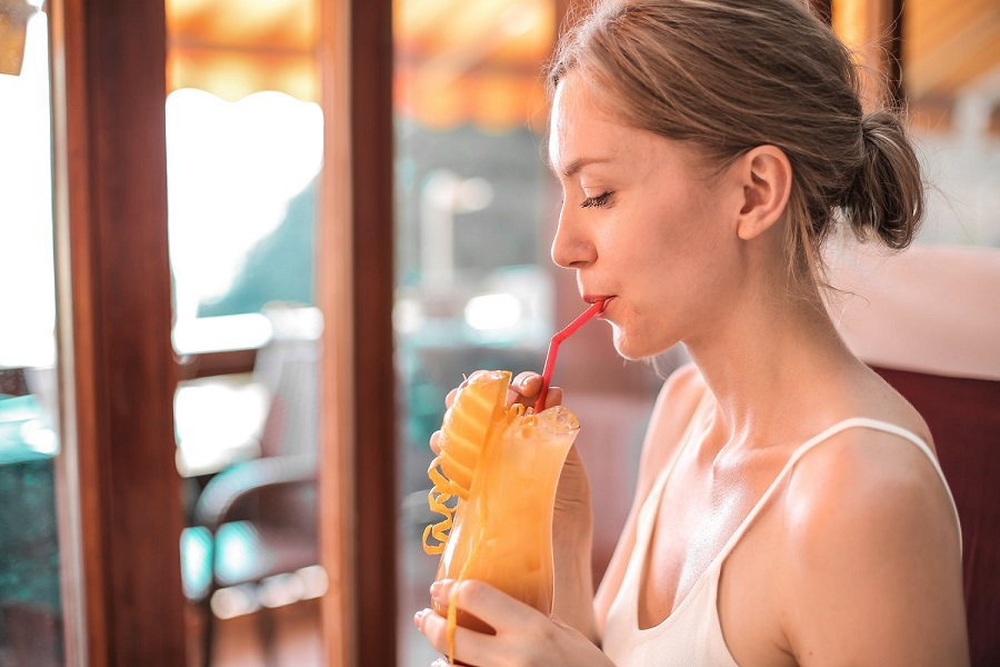 Whole fruits or fruit juice, which one is better for your health 1