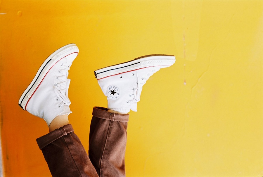 How to clean white shoes the right way 1