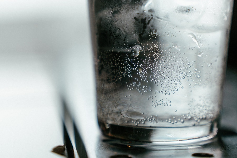 Sparkling water good or bad-1