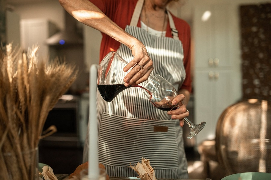 How long should you decant your wine-1