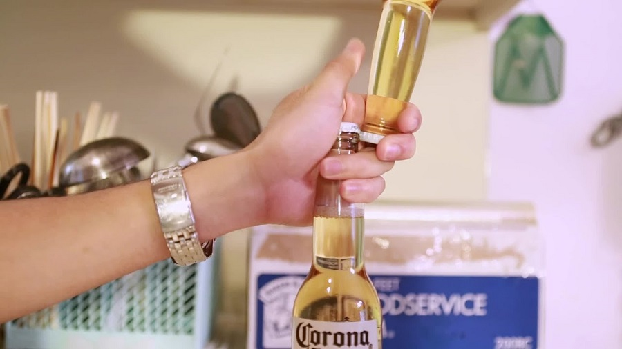 How to Open a Beer Bottle Without a Bottle Opener-2