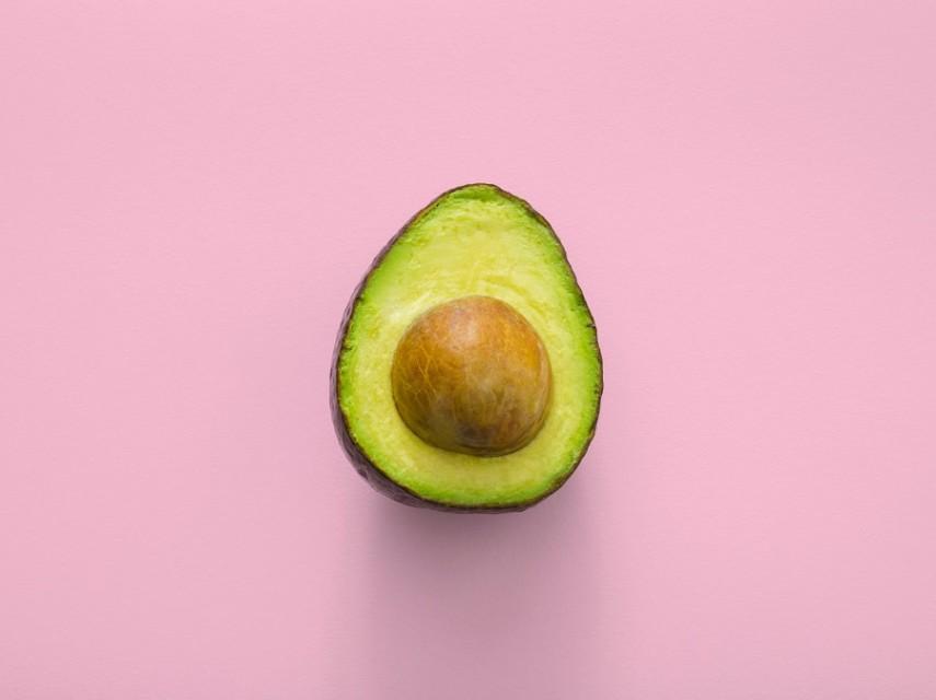 How to cut an avocado like a pro-1