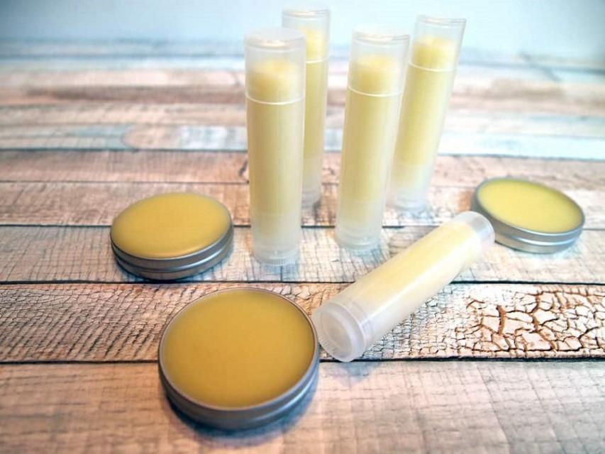 an easy way to make lip balms-1