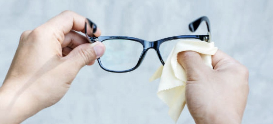 how to clean your glasses the right way-2