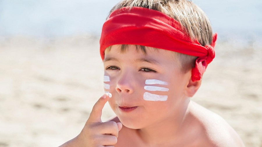 how to properly wash off sunscreen for kids-1