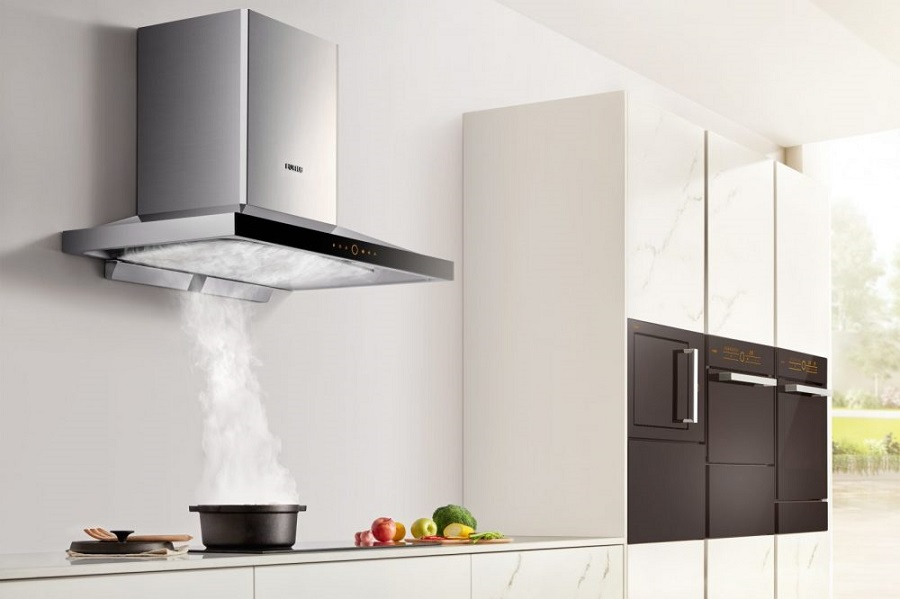 wrong ways to clean your range hood-1