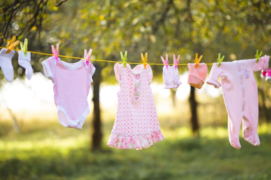 how to remove stains from baby clothes-5